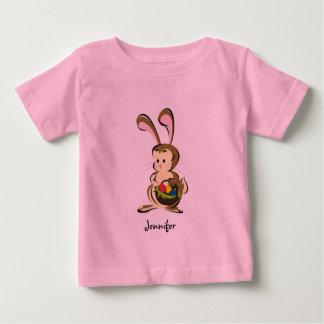Coelhinho da Páscoa e cesta leve estupefacção dos Camiseta Para Bebê