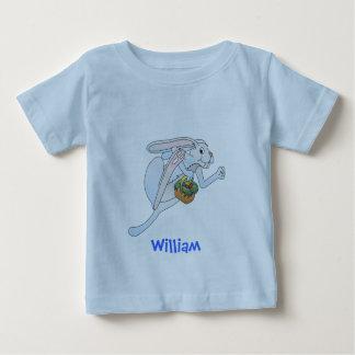 Coelhinho da Páscoa e cesta Running dos ovos T-shirt
