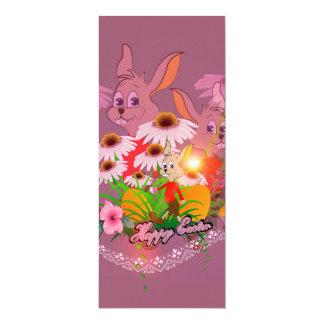 Coelhinho da Páscoa engraçado com ovos da páscoa Convite 10.16 X 23.49cm