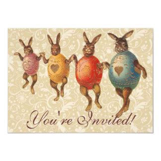 Coelhinhos da Páscoa do vintage que dançam com Convite