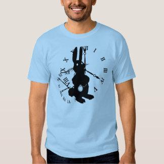 Coelho de Alice atrasado Tshirt