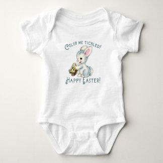 Coelho de coelho adorável com cesta da páscoa body para bebê
