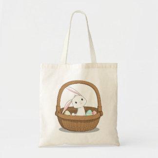 Coelho em um bolsa da páscoa da cesta