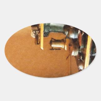 Coffeepot no fogão adesivos em formato ovais