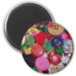 Colagem com os botões da árvore de Natal Imãs