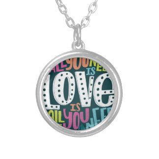 COLAR BANHADO A PRATA 0032-ALL-YOU-NEED-IS-LOVE-01