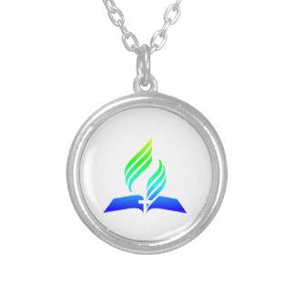 Colar Banhado A Prata 7o Símbolo do Adventist do dia