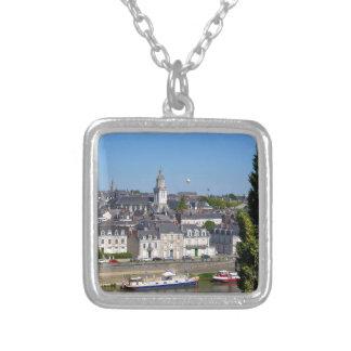 Colar Banhado A Prata A cidade de irrita em France