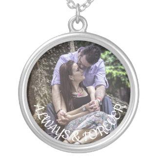 Colar Banhado A Prata A foto do casal sempre & para sempre personalizado