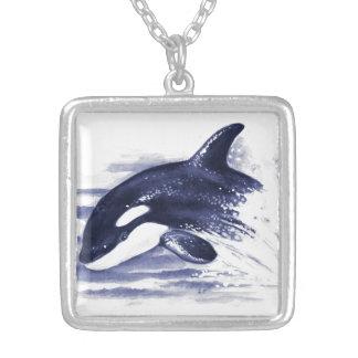 Colar Banhado A Prata A orca do bebê salta