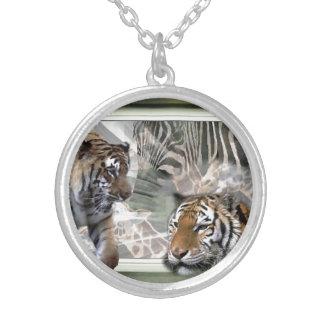 Colar Banhado A Prata Amantes da zebra do girafa do tigre