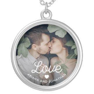 Colar Banhado A Prata Amor retro do texto   com coração e sua foto