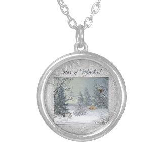 Colar Banhado A Prata Animais na floresta do inverno, árvore com
