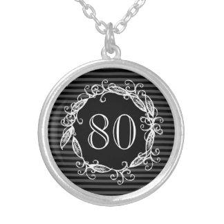 Colar Banhado A Prata Aniversário Swirly cinzento preto branco do 80 das