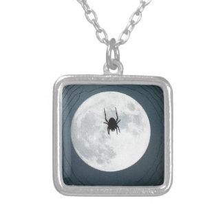 Colar Banhado A Prata Aranha da lua