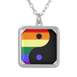 Colar Banhado A Prata Arco-íris Yin e Yang - cores do arco-íris do