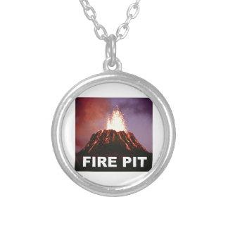 Colar Banhado A Prata arte do poço do fogo