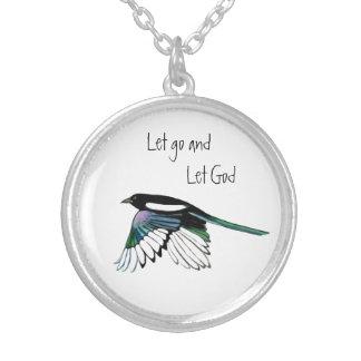 Colar Banhado A Prata As citações inspiradas do pássaro do Magpie