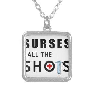 Colar Banhado A Prata As enfermeiras chamam os tiros