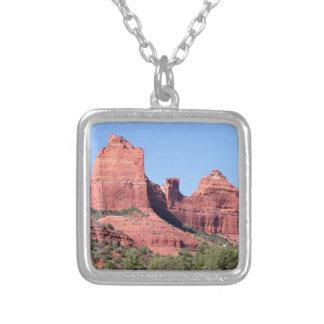 Colar Banhado A Prata As rochas aproximam Sedona, arizona