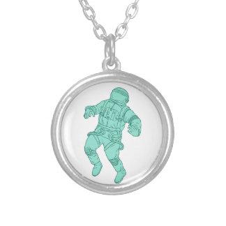Colar Banhado A Prata Astronauta que flutua no desenho do espaço