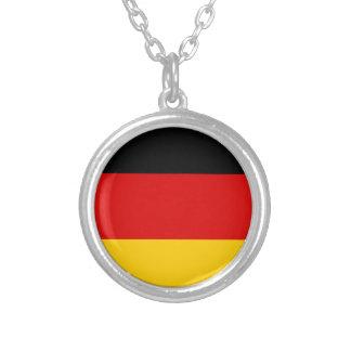 Colar Banhado A Prata Baixo custo! Bandeira alemão
