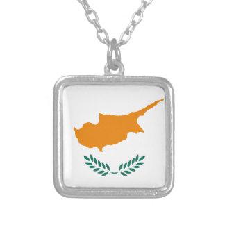 Colar Banhado A Prata Baixo custo! Bandeira de Chipre