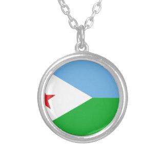 Colar Banhado A Prata Baixo custo! Bandeira de Djibouti