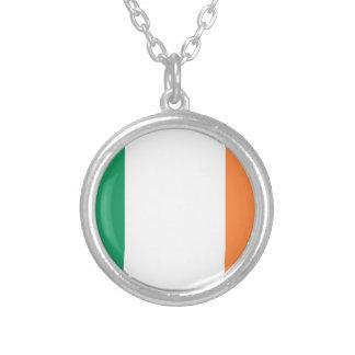 Colar Banhado A Prata Baixo custo! Bandeira de Ireland