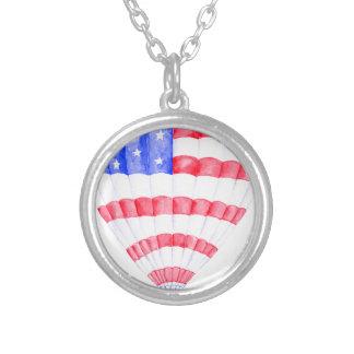 Colar Banhado A Prata Balão de ar da bandeira americana da aguarela