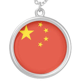 Colar Banhado A Prata Bandeira de China