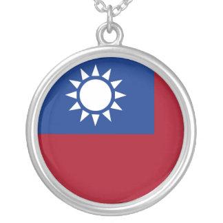 Colar Banhado A Prata Bandeira de Formosa a República da China