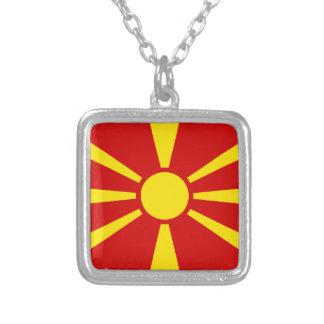 Colar Banhado A Prata Bandeira de Macedónia