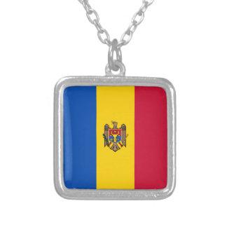 Colar Banhado A Prata Bandeira de Moldova