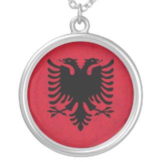 Colar Banhado A Prata Bandeira do Grunge de Albânia
