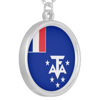 Colar Banhado A Prata Bandeira do sul e antárctica francesa das terras