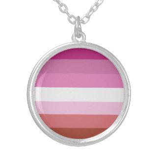 Colar Banhado A Prata Bandeira lésbica do orgulho (v.1)