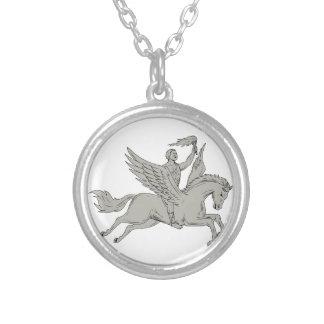 Colar Banhado A Prata Bellerophon que monta Pegasus que guardara o