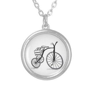 Colar Banhado A Prata Bicicleta em 3 rodas