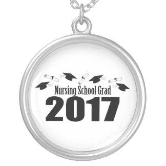 Colar Banhado A Prata Bonés do formando 2017 da escola de cuidados e