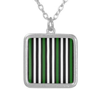 Colar Banhado A Prata Branco preto verde vertical das listras