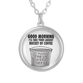 Colar Banhado A Prata Café pelo balde