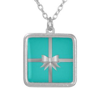 Colar Banhado A Prata Caixa de presente azul