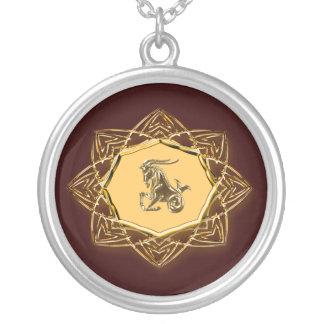 Colar Banhado A Prata Capricórnio do zodíaco - personalize-o!