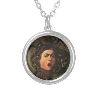 Colar Banhado A Prata Caravaggio - Medusa - trabalhos de arte italianos