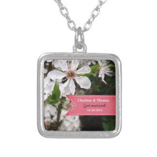 Colar Banhado A Prata Casamento branco bonito da flor