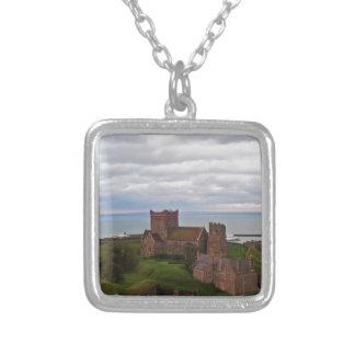 Colar Banhado A Prata Castelo de Dôvar