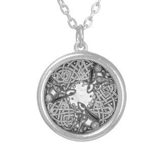 Colar Banhado A Prata Céltico, lebre de observação da lua