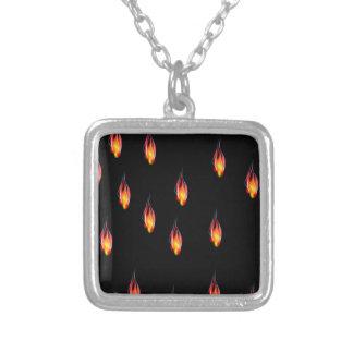 Colar Banhado A Prata Chamas do fogo