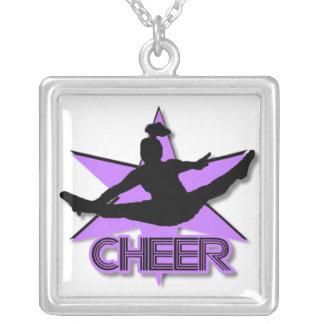 Colar Banhado A Prata Cheerleader no roxo